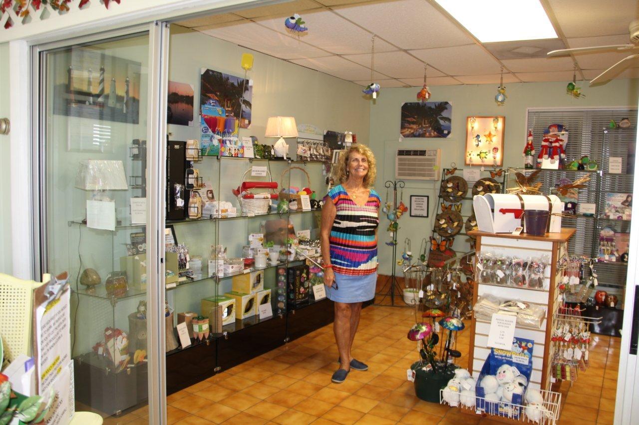 gift shop 2014 001