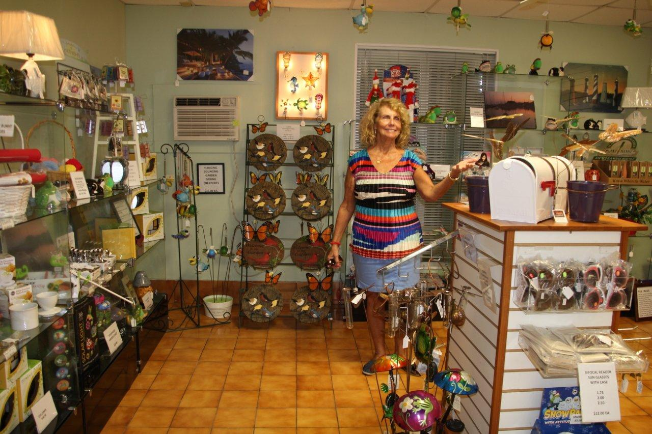 gift shop 2014 002