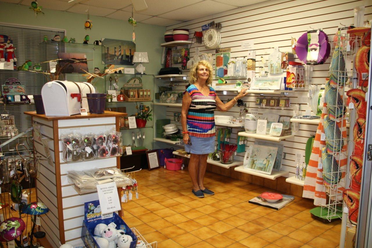 gift shop 2014 003